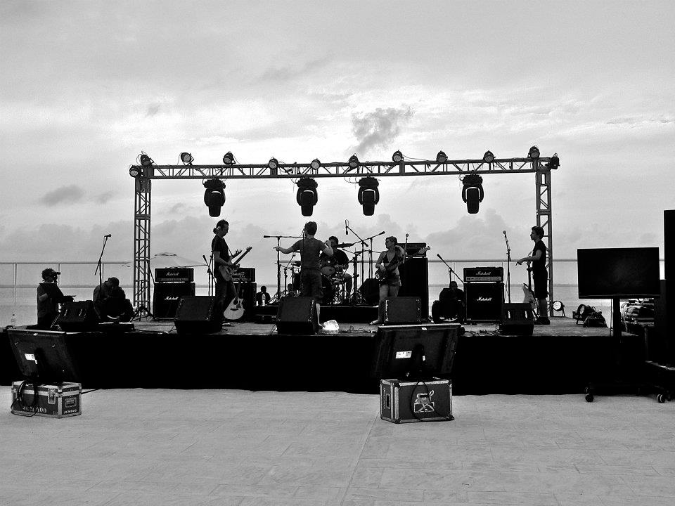 Soundcheck with Damon Johnson (Alice Cooper/Thin Lizzy/Brother Cane) in Cancun, Mexico